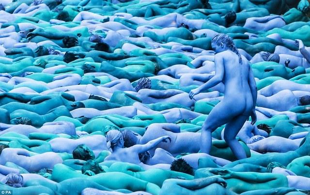 蓝色大游行2.jpg