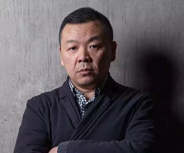 人物丨谁能读懂怪诞色彩下的悲伤/刘野