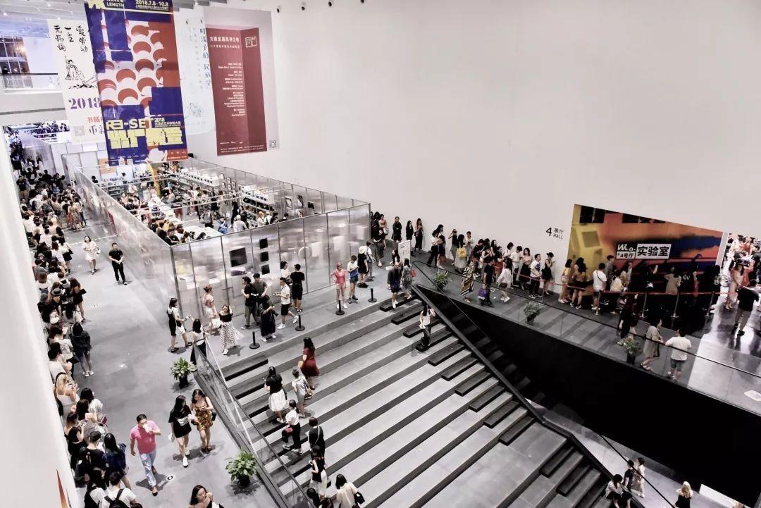关注中国新青年艺术家及未来中国当代艺术市场